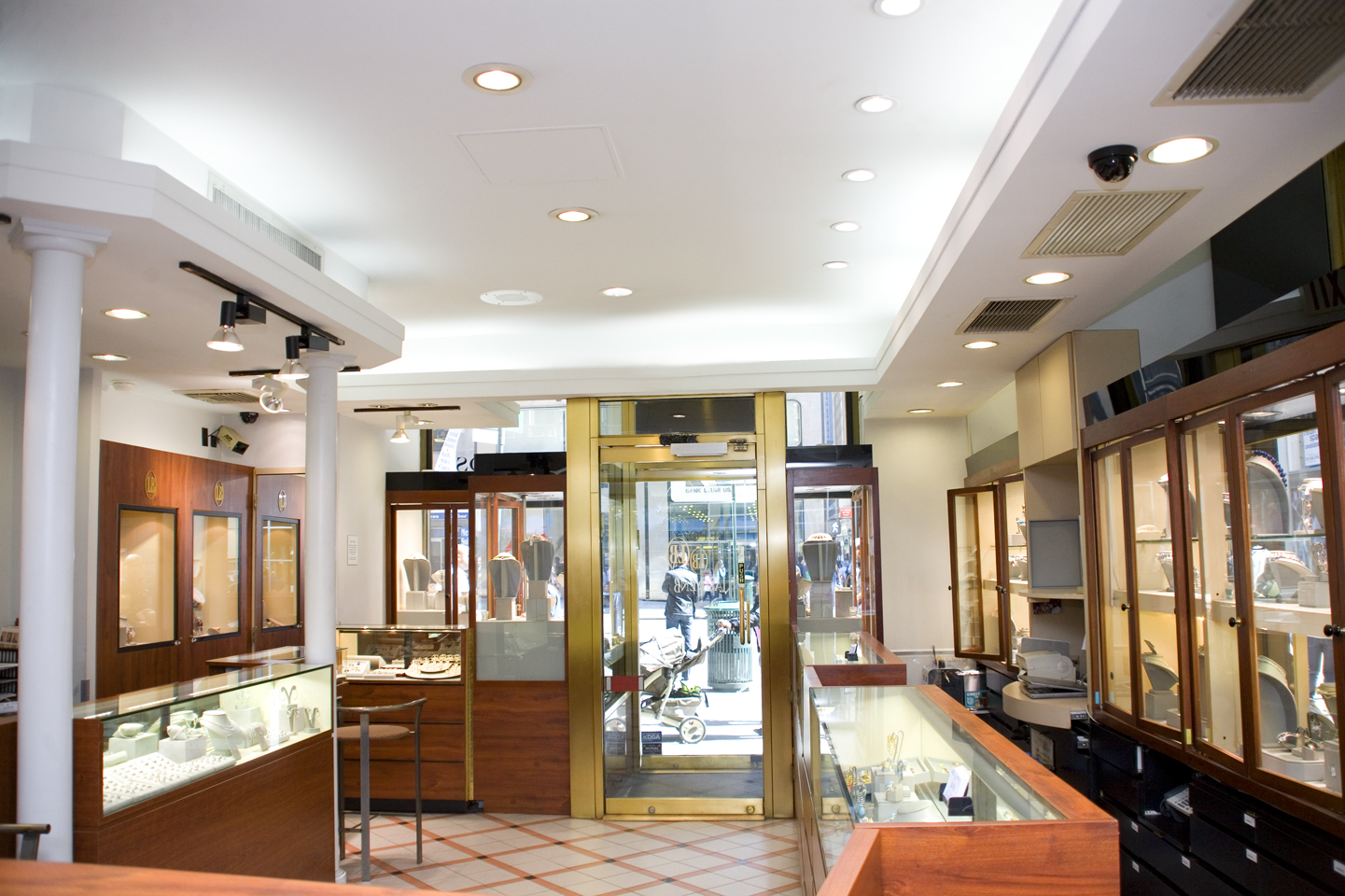 Jewelry boutiques new york style guru fashion glitz for Jewelry stores in new york ny