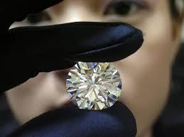 Shopping for a diamond: color vs clarity