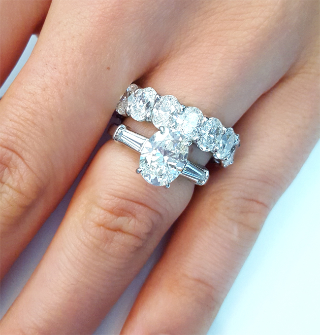 Tips for Pairing your Three-Stone Engagement Ring with a Wedding ...