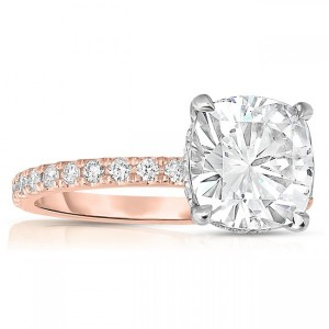 Thick vs. Thin Engagement Ring Bands: Which One is Right For You?