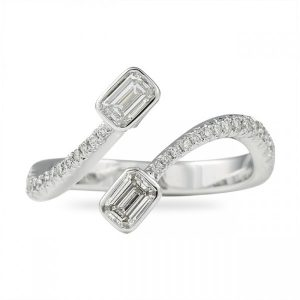 'Toi et Moi' Emerald Cut Diamond Band gift
