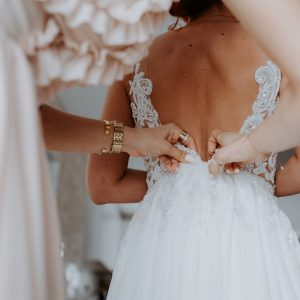 3 Secrets to Perfectly Accessorizing Your Wedding Dress