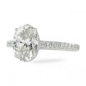 oval moissanite engagement rings