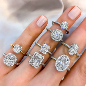 Halo vs. No Halo Engagement Rings: Which Would You Choose?
